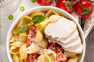Pasta with cheese and tomatoeы