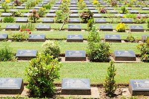 Label grave