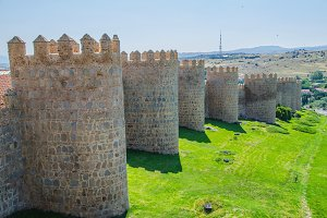 Towers of Avila walls