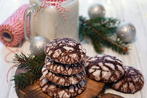 Christmas crackled chocolate cookies