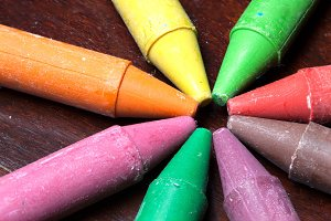 Crayon sticks