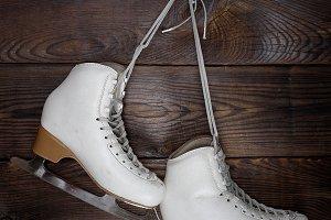 skates for figure skating