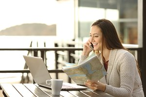 Hotel guest planning vacation asking
