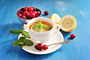Tea with lemon & mint
