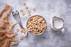 Sweet cereal loops in bowl.