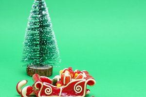 caramel sleigh on a green background