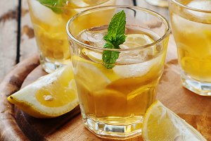 Ice tea with lemon and mint