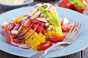 Salad with baked corn