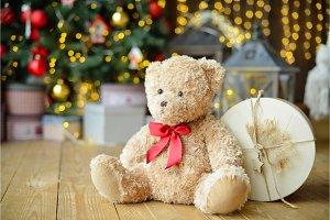 Teddy bears siting under the