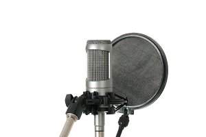 Studio microphone with pop filter
