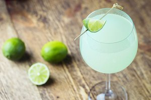 summer drink with lime