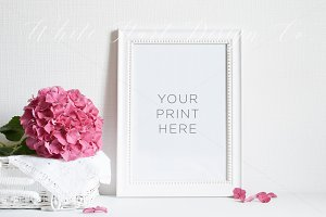 Floral styled stock mockup - PSD/Jpg