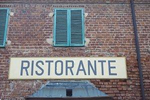 ristorante (restaurant) sign