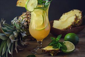 Pineapple lime lemonade drink