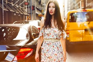 woman walk on New York city street