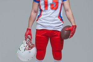 American football player holding