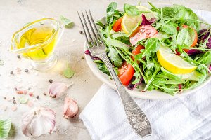Spring mix salad with vegetables