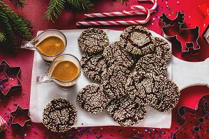 Christmas chocolate cookies with ses