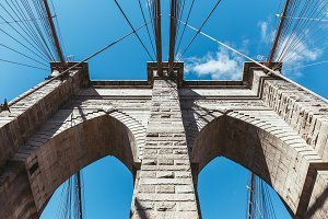 bottom view of brooklyn bridge again