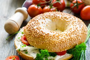 Bagels sandwiches snack