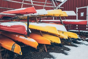 Kayaks in winter in Reine fishing