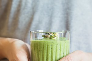Healthy green smoothie