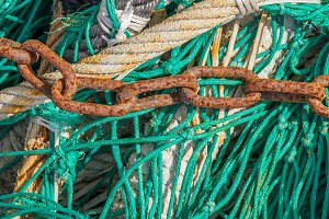 Chain on a fishing net (03)