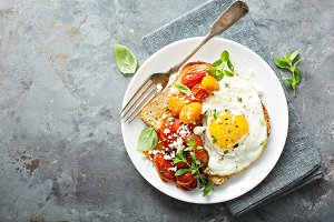 Multigrain toast with fried egg and