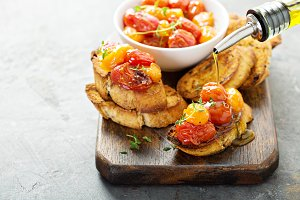 Roasted tomatoes bruschetta