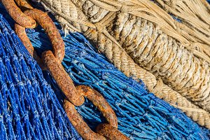 Chain on a fishing net (10)
