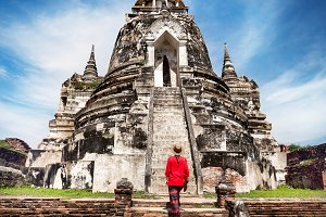 Tourist in the ruins of Thailand