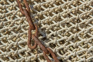 Chain on a fishing net (12)