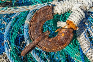Chain on a fishing net (18)