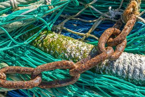 Chain on a fishing net (19)