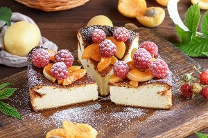 pie with raspberries and apricots