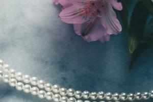 pearl jewellery - luxury gift