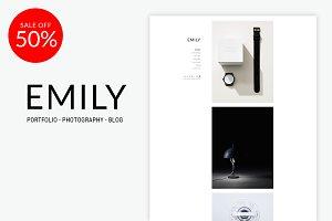 Emily - Minimal Portfolio WordPress