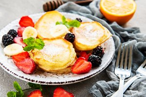 Delicious pancakes with berries