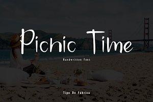 Picnic Time Handwritten Font