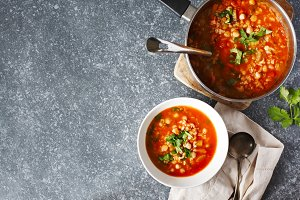 Moroccan soup with chickpeas