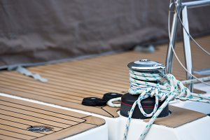 Winches and ropes, sailing yacht