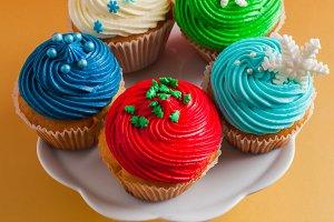Christmas clolouurfull cupcakes
