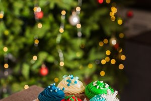 Christmas cupcakes on the cakestand