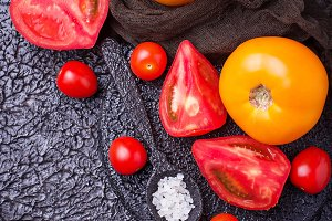 Sliced tomatoes and sweet pepper