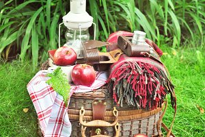 Picnic basket with vintage objects
