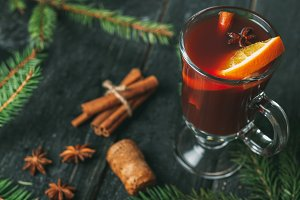 Mulled wine in glass glasses of red