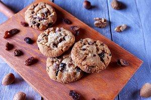 Raisin, chocolate and nuts cookies
