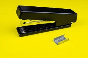 Office stapler and staples