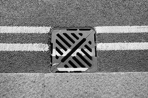 Manhole drain
