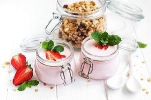healthy breakfast, yogurt, fresh str
